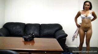 schwarz Stripper auf der Casting Couch besamt
