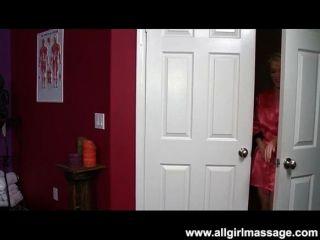 Asche hollywood hot lesbische Massage