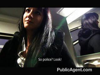 publicagent - penelopes fucks im Zug