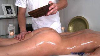 Massageräume - sexy Babe spritz
