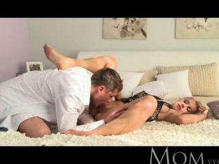 mom - blond elegant geile Hausfrau