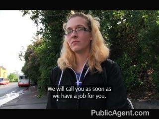 publicagent - Blondine in den Gläsern wird gefickt