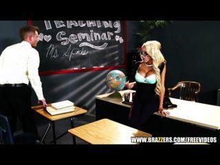 mrs.breanna Funken bekommt eine Lektion