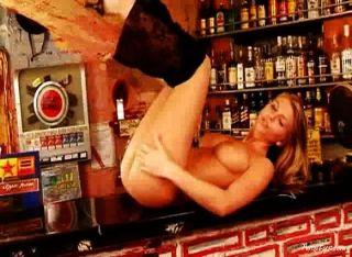 gina nackt in der Bar 3