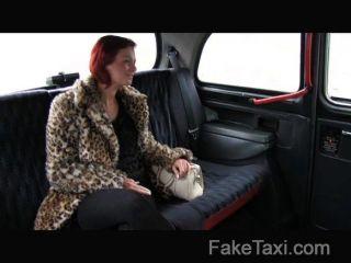 faketaxi - Kunde bekommt für Bargeld gefickt