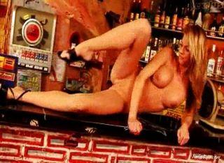 gina nackt in der Bar 4