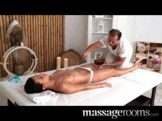 Massageräume - sportlich Göttin genießt gspot