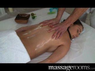 Massageräume - geile junge big boobs Mädchen