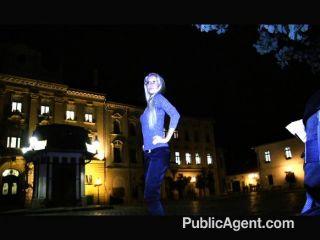 publicagent - blonde Milf gefickt für Bargeld