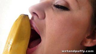 Seidelbast schmeckt wie eine Banane