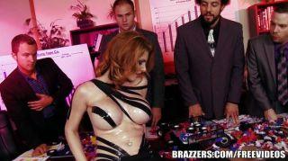 brazzers - Lilith Lust ist perfekt im Vertrieb