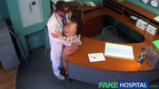 fakehospital - Arzt mit wollüstigen Patienten