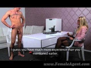 femaleagent - Gestüt cums in milfs Mund