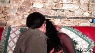 französisch schwarz Mädchen bekommt sodomized