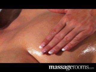 heiße Lesben Kitzler Massage für schöne Brünette