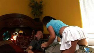 Justine gefickt im Bett
