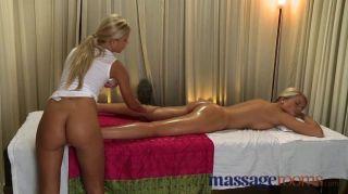 Massageräume - Mädchen mit perfekten Füße