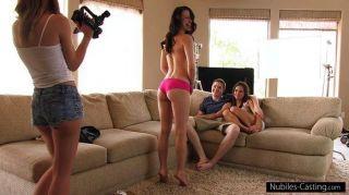 dieses Mädchen wird alles tun, ein Pornostar zu sein