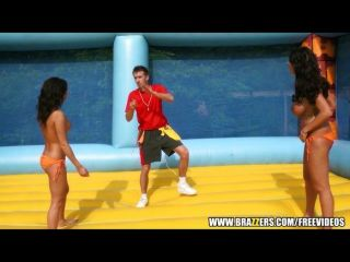 brazzers - ava koxxx - nackt Volleyball!