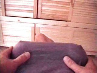 niedliche asiatische Mädchen mit großen Titten gefickt