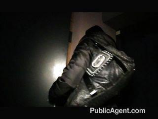 publicagent - maya mit großen Titten wird gefickt