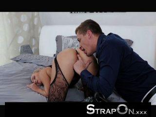 strapon - heiße Blondine von dp pleasured Frauen