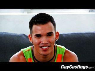 gaycastings - Medizinstudent spielt Arzt auf cam