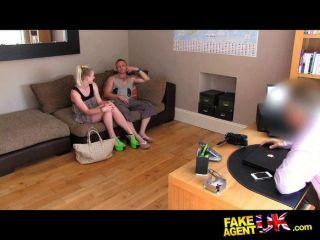 Sex zu dritt Roulette auf der Casting Couch