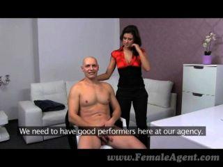 femaleagent - beeindruckende Cumshot auf große Titten