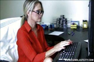 Computer Wichsen und abspritzen