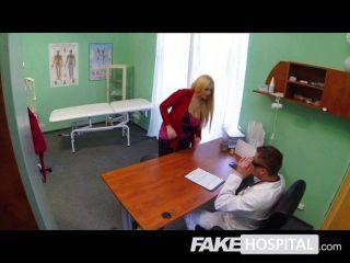 gefälschte Krankenhaus - Sexualtherapie mit großen Schwanz