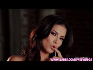 schöne Latina liebt Finger