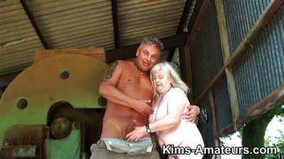 72 Jahre alte Oma gibt einen Blowjob
