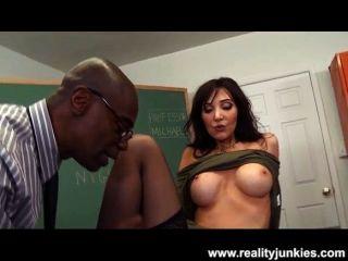 anal Hahnrei für Big Tit Milf nuttig Lehrer