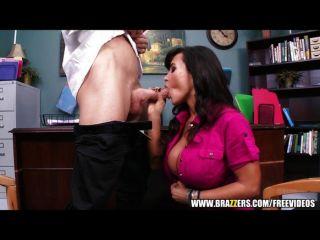 big-Tit MILF Lisa Ann wird von harten Schwanz knallte
