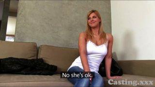 castingxxx Hot Babe nimmt erstmals Gesichts-
