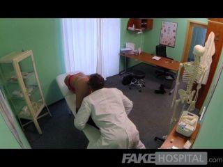 fakehospital - Massage verwandelt sich in rasenden Sex