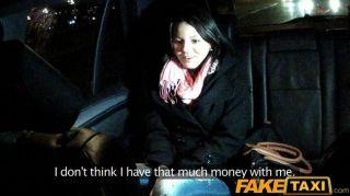 faketaxi junge Babe von cabbie gefickt