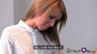 strapon - gina Devine fickt ein 18 Jahre alter Typ