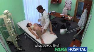 fakehospital - Arzt arbeitet seine Fähigkeiten