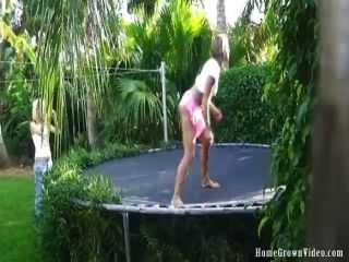 Homegrownvideos Wasser Spaß mit Taylor und ren