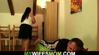 sie verlässt und plump Mutter-in-law fickt ihn