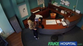 fakehospital - Krankenschwester verführt Patient