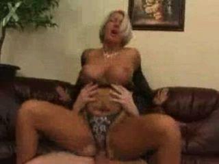 Mutter von Sohn gefickt