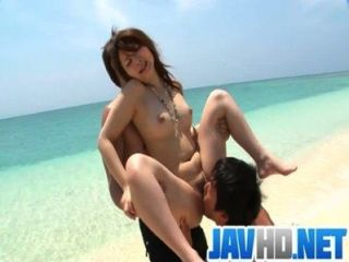Mayuka Outdoor-Fick mit einem asiatischen Creampie Überraschung