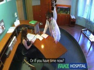 fakehospital Ärzte compulasory Gesundheitscheck