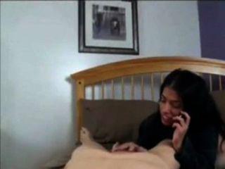 Mama mit Papa am Telefon sprechen, während mit Sohn ficken