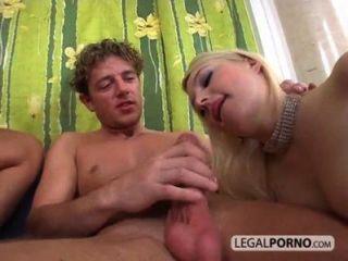 Riesenschwanz fickt zwei sexy Mädchen gb-20-03