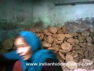indian Paar Sex Ficken auf der Baustelle in mumbai