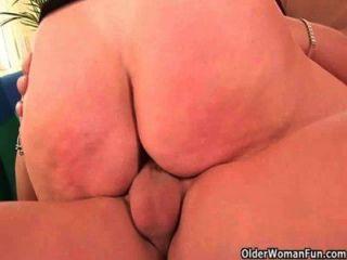 Oma will auf ihrem Körper Ihre cum Last